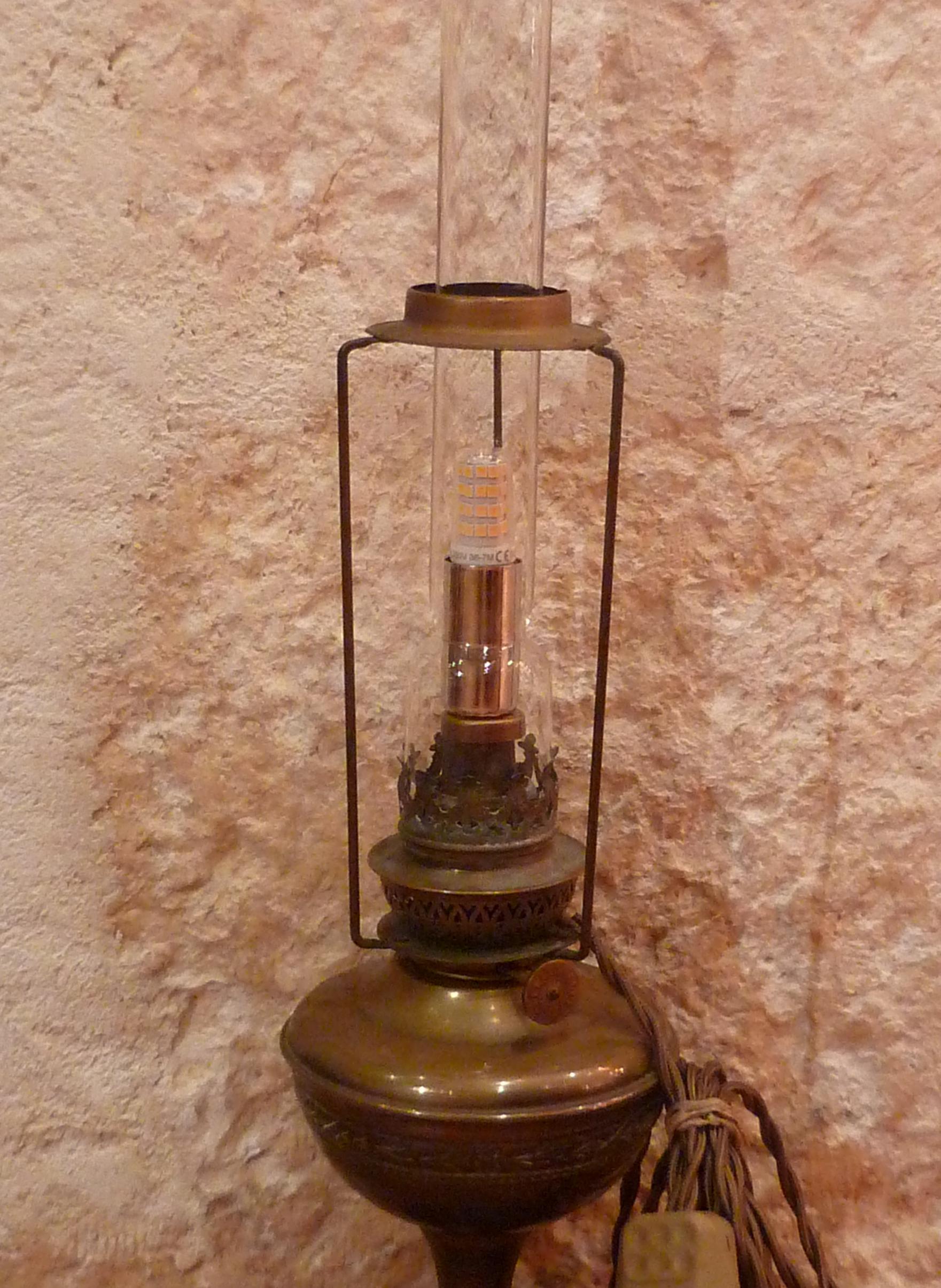 G9 sur lampe a petrole